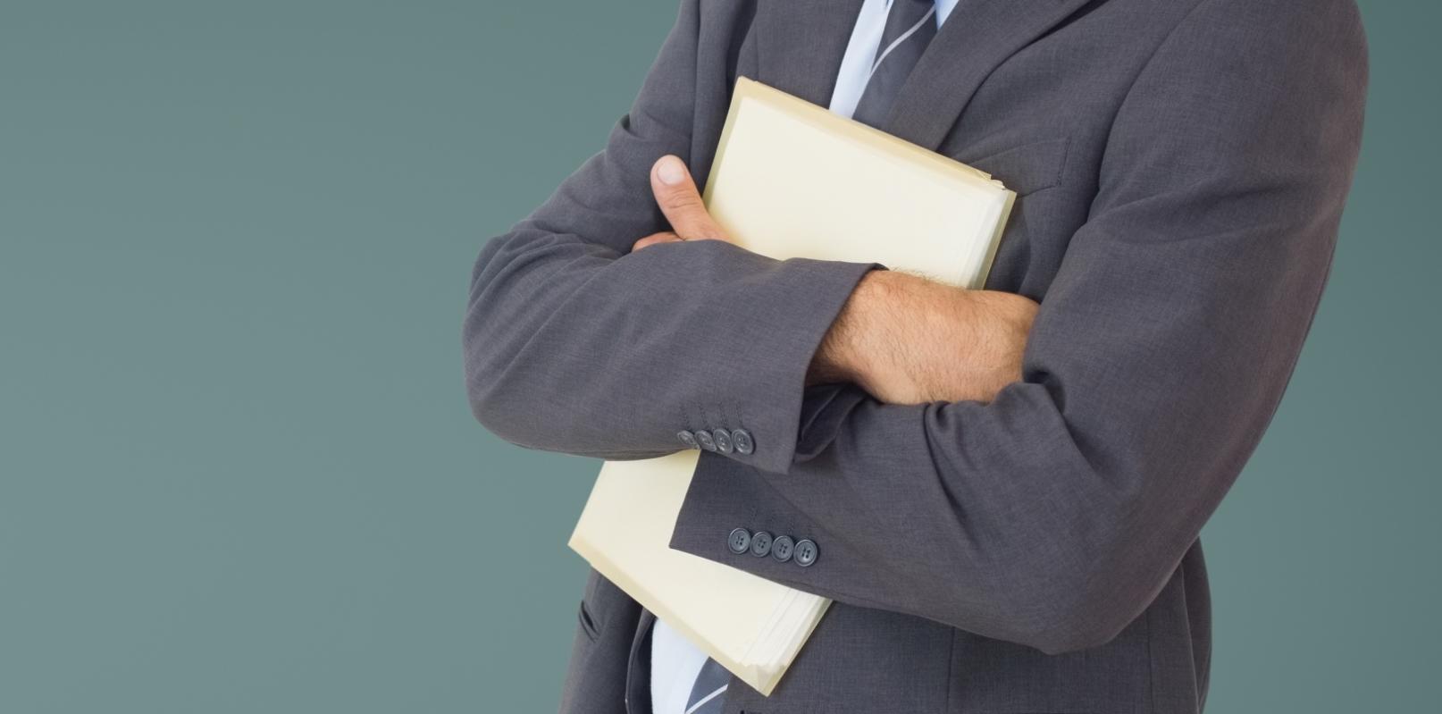 Скрылся учредитель-директор со всеми документами печатью и первичной документацией